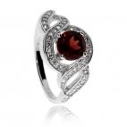 Stříbrný rhodiovaný prsten se zirkony (kubická zirkonie) a granátem (almandin