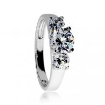 Stříbrný prsten se zirkony (kubická zirkonie), středový a dva menší