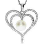 Stříbrný přívěsek se zirkony (cubic zirconia) srdce s perlou uvnitř