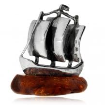Stříbrná figurka s janterm - plachetnice