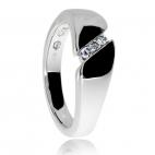 Dámský stříbrný prsten s diamanty - Trojice kamenů sevřená dvojicí linií