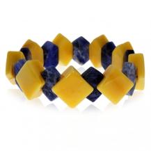 Náramek na gumičce z přírodních kamenů různých tvarů