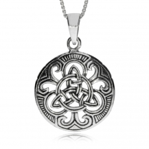 Stříbrný přívěsek - Triquetra uprostřed kulatého amuletu