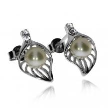 Stříbrné náušnice s říční perlou a se zirkony (cubic zirconia), lístek
